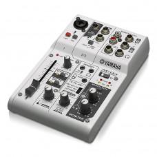 YAMAHA AG03 - микшерный пульт, 1 мик./лин. вх., 1 стер., 1 AUX, D-PRE предусилители, USB Audio, DSP