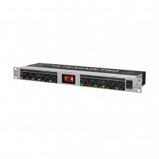 BEHRINGER MIC2200 V2 - ламповый предусилитель для микрофонов/лин.источников (MIC2200) 2-канальный